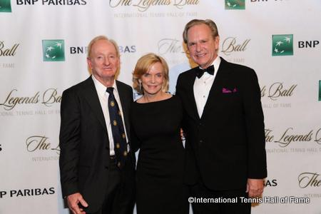 Rod Laver joins Hall of Fame Chairman Chris Clouer and his wife Patsy