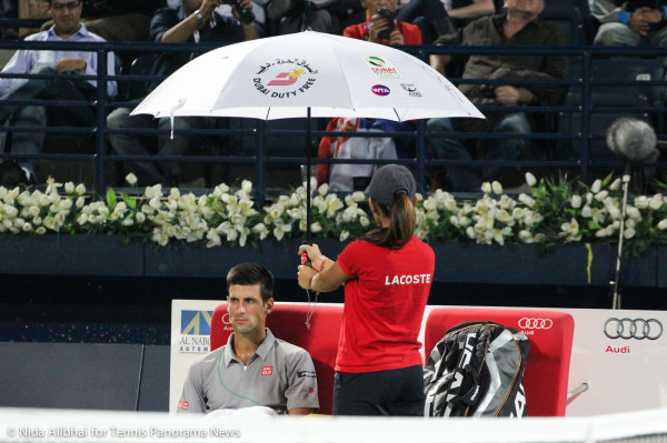 Djokovic in rain delay