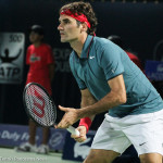 Federer receiving serve