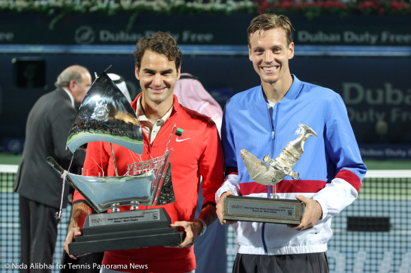 Federer and Berdyh with trophy