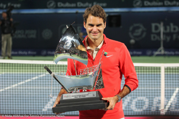 Federer with trophy 3
