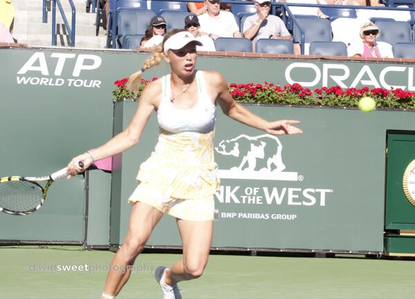 Wozniacki hits a fh