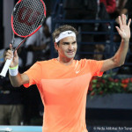223 Dubai Federer hands up-001