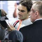223 Dubai Federer signs autographs-001