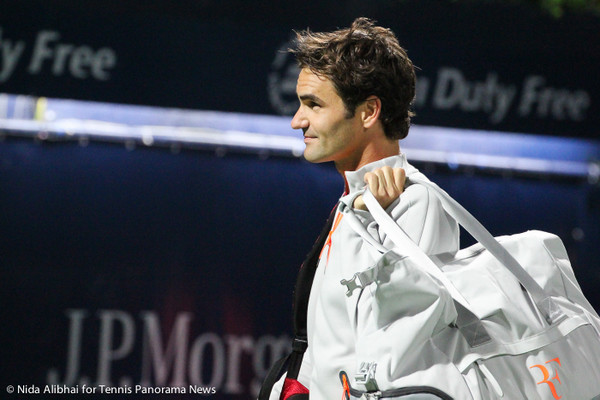 223 Dubai Federer with bag-001