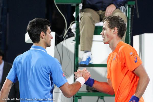 Djokovic Pospisil handshake-001