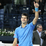 Djokovic thumbs up-001
