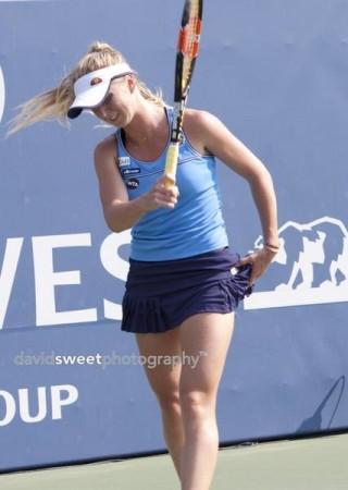 Svitolina frustrated-001